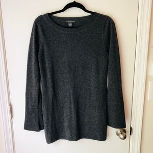 Grey cashmere sweater with flare sleeves